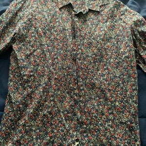 Slim fitted floral shirt